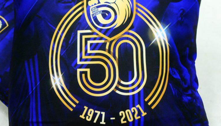 Poduszka 50-lecia niebieska